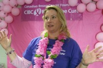 Hundreds gather to raise awareness about breast cancer
