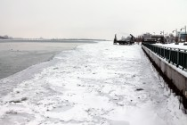 Shipping slowed by ice