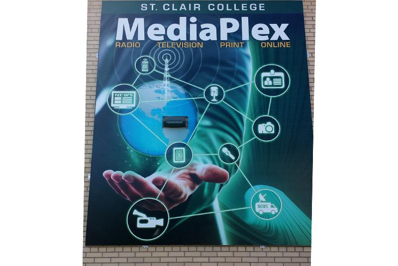 MediaPlex Wall 2
