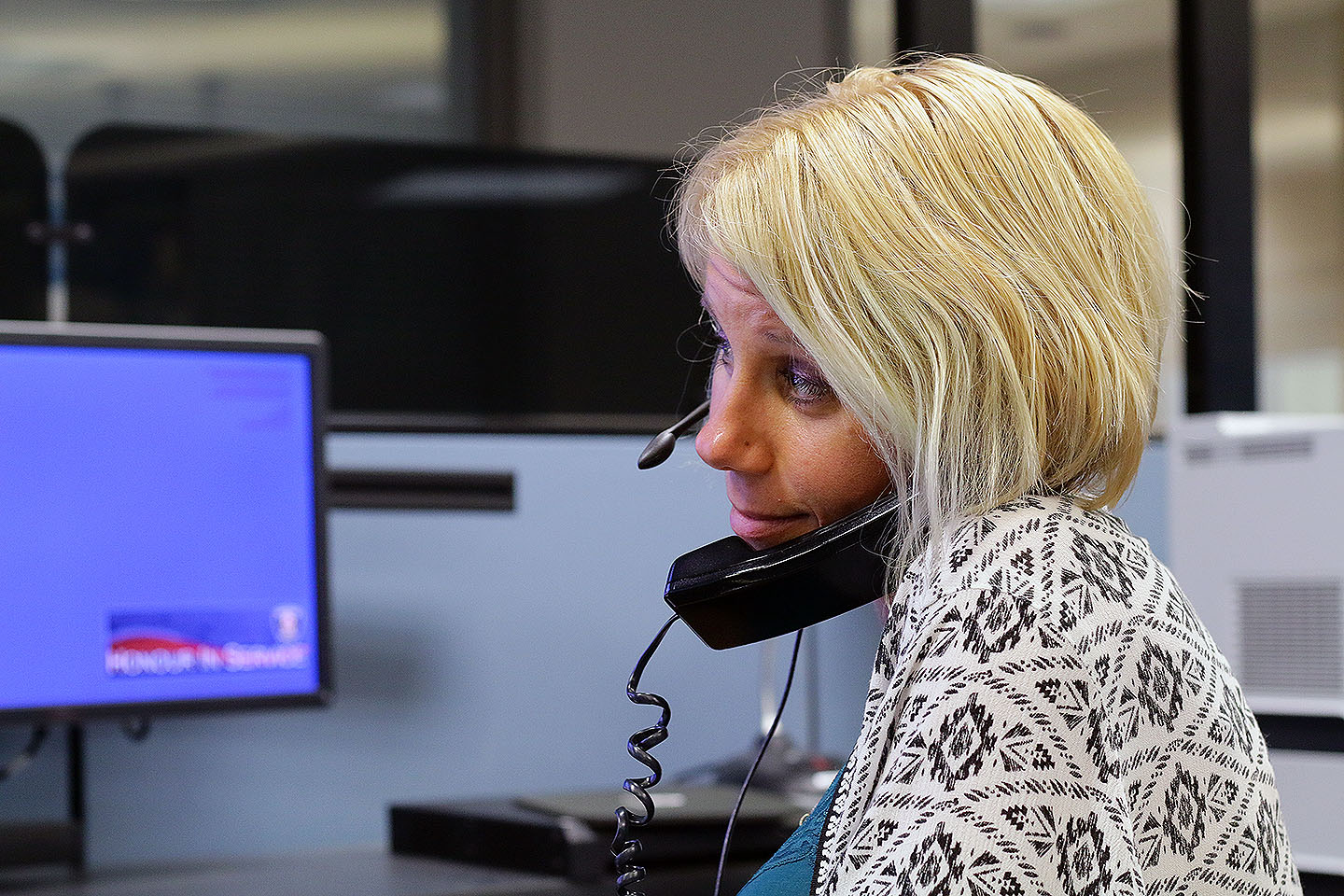 Lisa Vitale is answering the non-emergency line at the 911 Call Centre.
