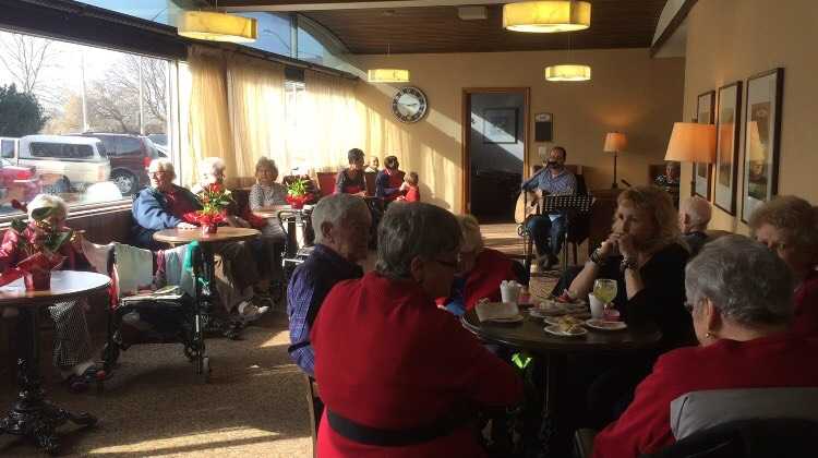 Residents of the Lifetimes retirement home had a chance to celebrate Valentine's Day. Photo by Vanni Zhang